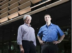 Professors Val Pinczewski and Christoph Arns won Innovator of the Year Award