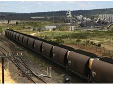Calls for coal wagons to be covered, petition launched