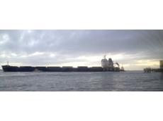 Coal ship breaks loose in Gladstone
