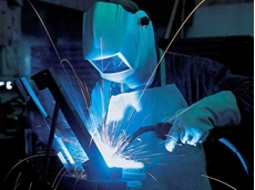 More than half of Aussie welders fail tests: Bechtel