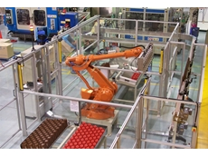 Robot Packing and Palletising bottles