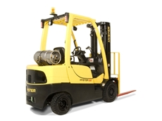 2.5 tonne budget forklift proves tough in demanding applications