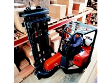 Aisle Master very narrow aisle articulated forklift
