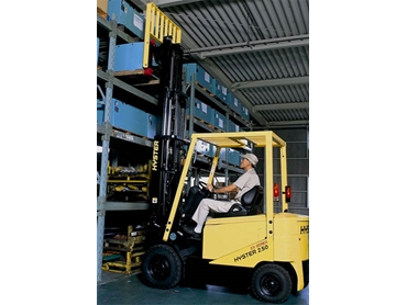 Improve warehouse operations by hiring forklifts