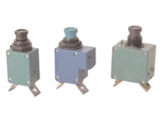 Single phase TC series circuit breakers