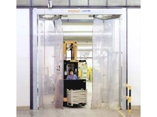 The door leafs are fully transparent and can be up to 12mm thick, with generous overlaps and cord connectors between the gaps.