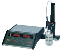 Alvi's 703 laboratory conductivity meter to measure water quality