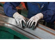 Ansell HyFlex 11-624 gloves combine comfort and flexibility with optimal cut resistance