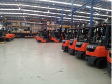 Safety alert on the danger involved in fitting forklifts with automotive LPG vessels