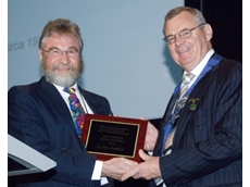 Allan Bremner receives AIFST's Keith Farrer Award