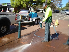 Kiama Council staff steam away chewing gum with the Aussie JAW