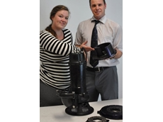Aussie Pump's Craig Bridgement explains the efficient cutter mechanism on the Tsurumi C Series pump to Phoebe Michaels