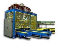 High speed linear palletiser for PET bottles