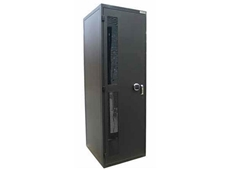 A choice of door options means Ausrack CQr security cabinets can be configured as Class C or Class B racks