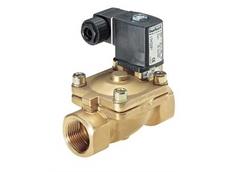 Waterhammer-free diaphragm solenoid valve