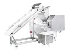 WARAN dicers can recognise the composition of products and automatically adjust the speed of the cutting blade to suit