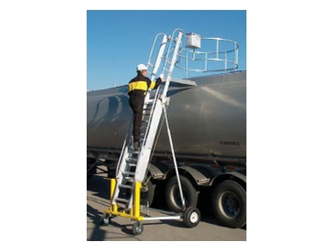 FlexiGuard™ Access Systems - ladder with worker