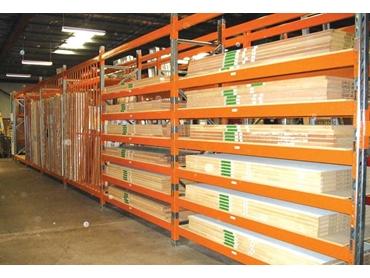 Longspan Shelving for non-palletised goods