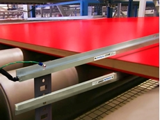 EXAIR ionising bar eliminates static electricity on paper, film and plastics