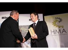 Custom Fluidpower's Interim CEO Graeme Vennell received the HMA Board Award