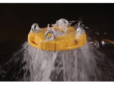 With Splash Guard displacement covers on filter vessels, escaping fluids are directed downward, away from the operators