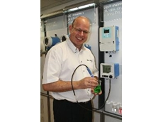 E+H Product Manager, Jimmy Britz demonstrates good pH electrode maintenance