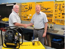 Mr McDonald with Peter Sampson, Enerpac Territory Manager, South Australia and Northern Territory
