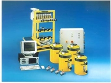 The typical components in an Enerpac PC-controlled Synchronous Lift System.