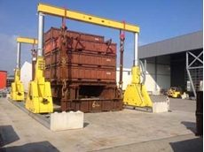 The Enerpac SBL1100 that Mr Silveri operated to lift a 400 tonne test load