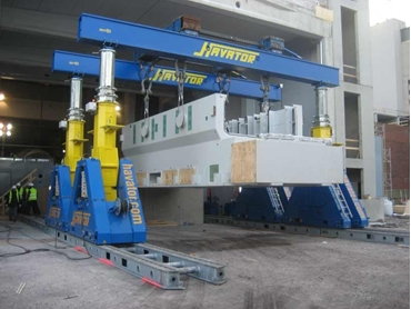 Enerpac offers two series of hydraulic gantry systems: the cost effective SL series and the heavy duty SBL series