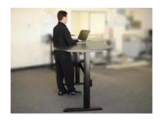Users can easily change the desk to the stand position.