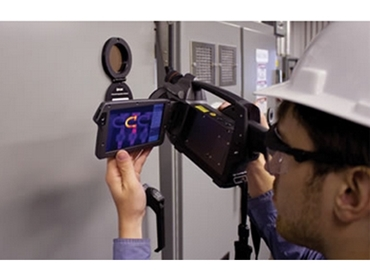 IR Windows require only 1 inspector and are compatible with all thermal imaging cameras