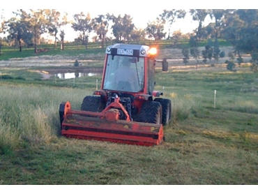 High performance OMARV 2.0M FIXED FLAIL MOWER with oil bath overrun clutch feature