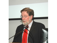 Dr John Angus of CSIRO delivering the 2011 Hector and Andrew Stewart Memorial Lecture