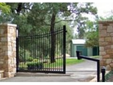 Automated swing and sliding gates available from Fencing Warehouse