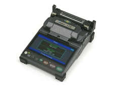 The FSM-12S fusion splicer features a long life battery that delivers 100 splice and heat cycles