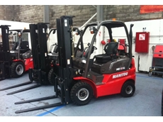 MI range of semi industrial forklift trucks
