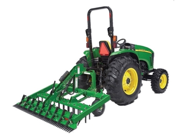 Riata RA11 Series 3 Point Arena Rake-with an adjustable leveling comb