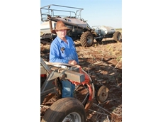 Gordon Rickertt distributes liquid fertiliser using his Flexi-Coil 2640 air seeder and Flexi-Coil ST820 cultivator along with a Flexi-Coil spray rig