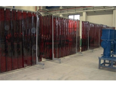 Welding screens and mobile welding curtains