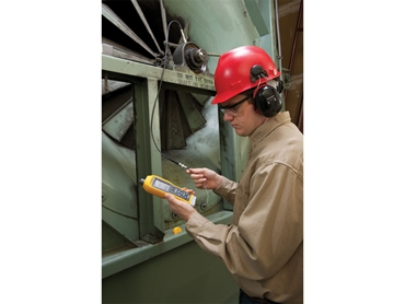 Fluke 805 Vibration Meter-Factory Environment Application Shot