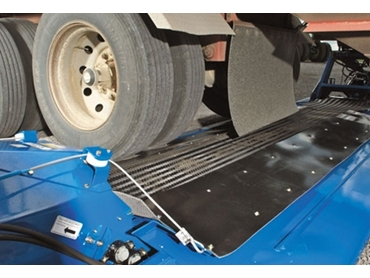 Durable and robust Grain Decks can easily take the weight of a semi trailer