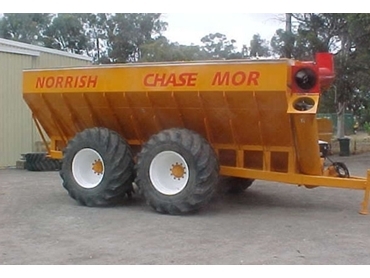 Chaser Bins feature hydraulic drive for smooth and reliable operation