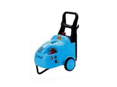 K300 light industrial pressure washers have an inbuilt 15L detergetn tank