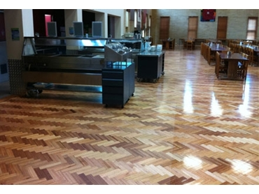 Perfect for timber floor, this anti-slip sealer protects and leaves an attractive finish