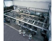 Efficient keg loading/unloading system achieves the same result as a rotary machine.