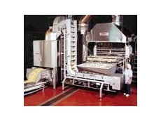 Automatic heated centrifuge reduces oil content in potato chips