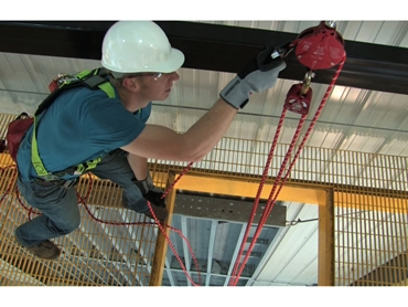 Miller® QuickPick(TM) Rescue Kit can be remotely attached to a suspended worker for a stress-free rescue operation