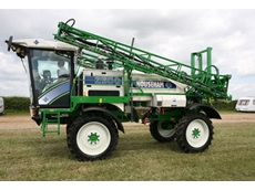 Househam's AR2500 Sprayers with Hydrostatic Components