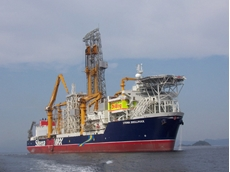 The CM-Expert is designed for needs-oriented, planned maintenance on a drillship